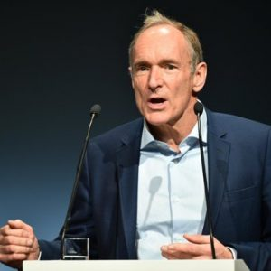 Tim Berners-Lee, fondatorul World Wide Web, intensifică eforturile de reconfigurare a Internetului