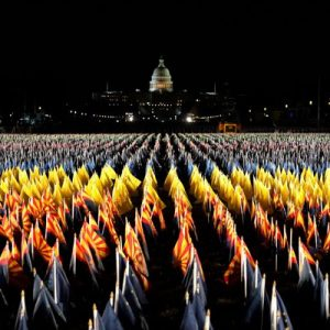 VIDEO Imagini spectaculoase din Washington DC. Sute de steaguri luminate au fluturat luni, pe National Mall